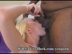 Hot Babe Asks Hubby To Film