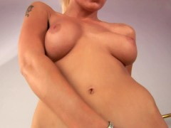 Blonde hottie Nicol works it - CzechSuperStars