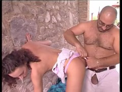 Young Babe Fucked Outside - Telsev