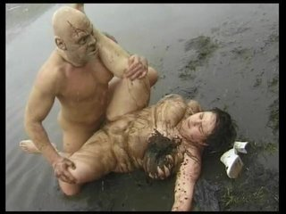 Brunette Cocksucking Cumshot video: Fucking In The Mud - Julia Reaves