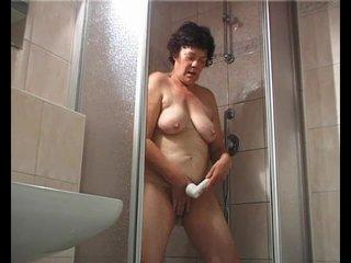 Busty Chubby Dildo video: Granny loving her dildo - Julia Reaves