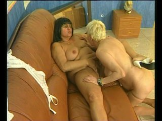 Hairy Blonde Brunette video: Two mature lesbians and their hairy pussies - Julia Reaves