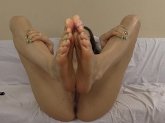 Cum virtually fuck my feet and cum all over them