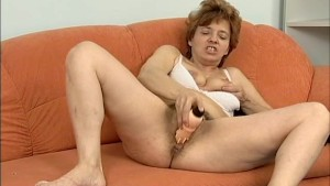 hairy moms dildo action