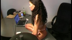 Flexi girl Samantha works in office