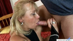 Deep Throat Milf Goes Hardcore