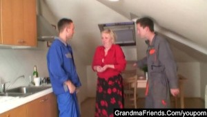 Two repairmen bang granny till double cumshot