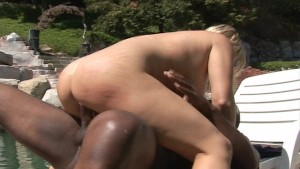 She likes that big black meat in her pussy