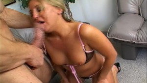 Jules wants cum all over her