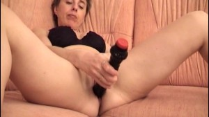 Mature German amateur masturbating - Acheron
