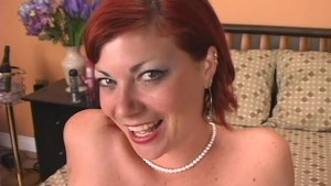 Delicious MILF Cheyenne puts on a solo show - GD Douglas