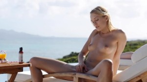 absolutly hot blonde undress her pussy