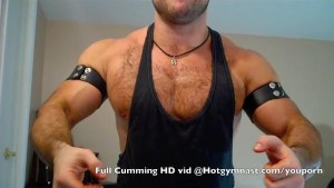 Huge Cum w/ Young hairy muscle stud!