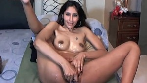 Amateur Fucking Her Own Ass And Pussy