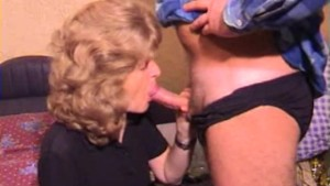 Mature amateur wife homemade blowjob with cum in mouth