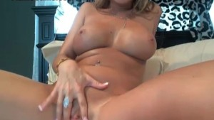 Huge Boobs Blonde Cam Girl