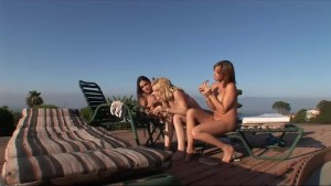 Incredibly HOT bikini blonde starts a poolside orgy with her GF
