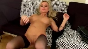 Glamour babe fingering her shaved pussy in nylons