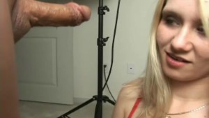 Denice knows how to give a handjob - Sologirlcontent