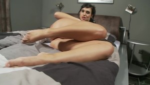 Sexy chick masturbates for the camera - Playvision