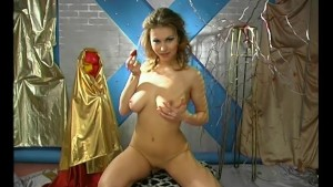 Skinny babe oils up her beautiful body- Pleasure Photorama