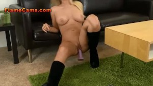 Blonde Amateur Is A Ten In Slutty Boots