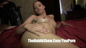 18 yr mixed high yella boned freak luvs to swallow sperm