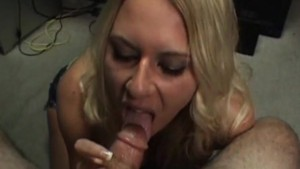 Babe Blows Me So She Can Leave - Amateur District