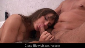 Abbie makes classy blowjob in the bath