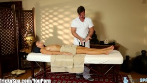 TrickySpa Masseur Knows How to Get His Dick Wet
