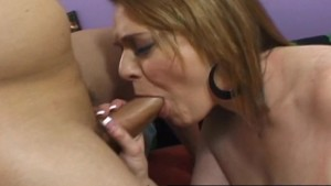 Plump MILF Vanessa De Claireville is face to face with cock