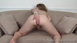 Hot Amateur Likes Anal When She Masturbates to Orgasm