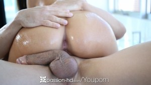 HD Passion-HD - Babe Whitney gets sexy massage after her workout