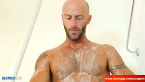 Hunk male with huge cock taking a shower very horny !