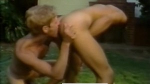 Sexy California Boys Fuck Outdoors - HOT SPLASH (Toby Ross, 1985)