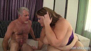 Big sexy woman Erin Green fucks