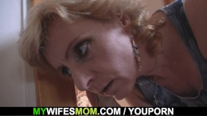 Girlfriends hot mom helps him cum