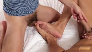 CodyCummings Gives Feet Masturbation to Colt Rivers