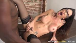 Dava Foxx Makes Her Patient A Cuckold