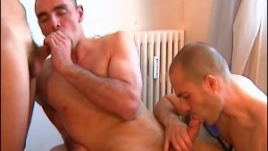 2 for 3 suckers with huge cock on 1 guy !