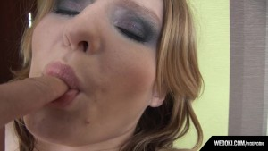 Cyntia Fingering With Cameraman And Blowjob