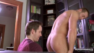 Maskurbate JP Sucked In Pascal s Office