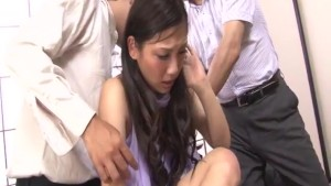 Serious office threesome along slutty Maki Takei