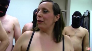 PUTA LOCURA Pregnant MILF in Amateur Bukkake