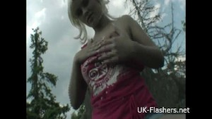 Teen blonde flashers outdoor s
