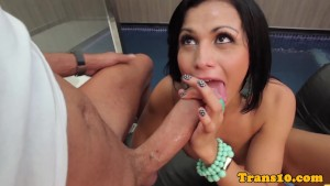 Latina tranny bouncing her boo