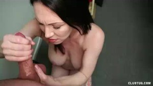 Milf Babe s Got A Full Understanding On The Young Guy