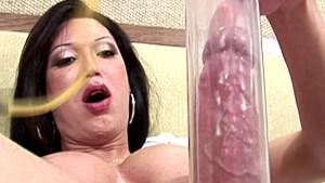 Huge tranny dick gets even big