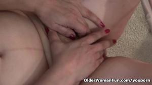American granny Kay masturbates in pantyhose