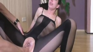fisting her loose bitch twat till she squirts